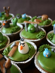 angry birds cupcakes by Painted By Cakes