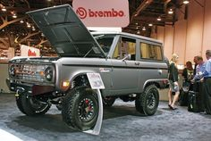 Custom Ford Bronco -- would be an awesome beach ride!