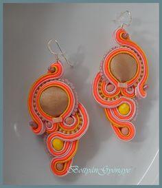 Narancs aszimmetrikus sujtás fülbevaló - tekert - Orange soutache asymmetrical earrings - wrapped Crochet Earrings, Jewelry, Fashion, Moda, Jewlery, Jewerly, Fashion Styles, Schmuck, Jewels