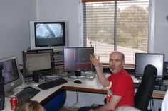 Besides comets, Rob McNaught discovered asteroids, from Siding Spring Obs; here he shows an asteroid he discoverd the day before in June 2009. (Courtesy: Ron Knight, Australia).