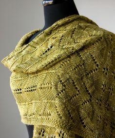 Sweet Oak Shawl pattern, $5 | Tricksy Knitter by Megan Goodacre  -knit