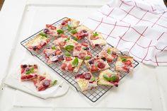 Oppskrift på Prima bærpizza med hvit sjokolade