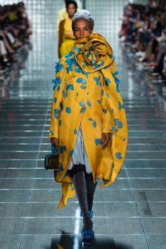 c4070458 Fashion 2018, New York Fashion, Ny Fashion Week, Women's Runway Fashion,  Couture