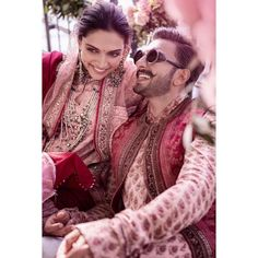 Bollywood's love birds Deepika Padukone and Ranveer Singh, popularly known as DeepVeer tied the knot on November and here is a complete detail on how Deepveer looked on their wedding and recepti.