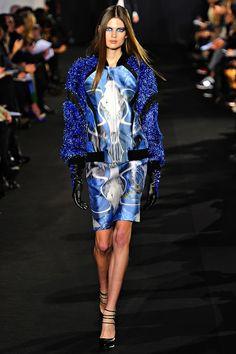 the blue/black fashion trend