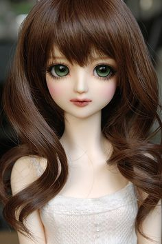 My name for this Pretty Little Cutie is Rebecca :) Besides having large Green Doe Eyes that make her seem so approachable and sweet, she's also got a very caring nature, and just wants everyone to be happy Beautiful Barbie Dolls, Pretty Dolls, Ooak Dolls, Blythe Dolls, Barbie Images, Cute Baby Dolls, Realistic Dolls, Kawaii Doll, Anime Dolls