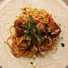 Simple, beautiful meatball spaghetti - White Trash Disease | Lily.fi