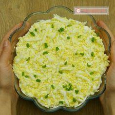 Salată rapidă cu ton- o rețetă poloneză, care face furori și este în topul preferințelor! - savuros.info Avocado Salad Recipes, Mashed Potatoes, Macaroni And Cheese, Food And Drink, Meals, Cooking, Ethnic Recipes, Dinner, Salads