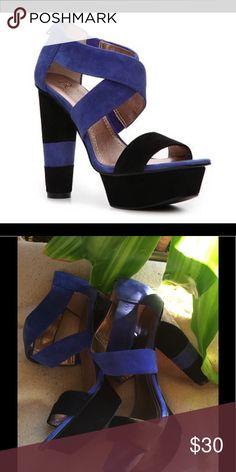 BCBG BCBG PARIS SEUDE COLOR BLOCK BLUE & BLACK CHUNKY PLATFORM HEEL..ONLY WORN A COUPLE OF TIMES. STILL LOOKS BRAND NEW BCBG Shoes Heels