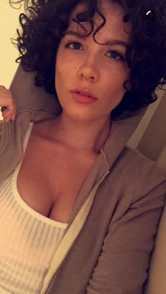 CURLY HAIRED HALSEY IS SO CUTE HELP