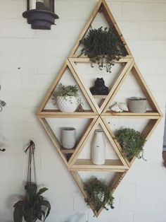 25 Geometric wooden shelf design ideas home decor Decorating Farmhouse Ext… Wooden Shelf Design, Wooden Decor, Wooden Shelves, Hanging Shelves, Floating Shelves, Geometric Decor, Geometric Shelves, Honeycomb Shelves, Hexagon Shelves