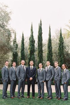 Natural makeup, neutral and pastel bridesmaid dresses and gray groom and groomsmen attire is what's in step for spring. wedding groomsmen attire Going Gray for the Groom and Groomsmen Groomsmen Grey, Groomsmen Outfits, Groom And Groomsmen Attire, Bridesmaids And Groomsmen, Groom Outfit, Groom Attire Black, Groomsmen Poses, Wedding Colors, Groomsmen