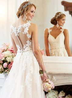 A-Line/Princess Sweetheart Court Train Beading Appliques Lace Tulle Covered Button Regular Straps Sleeveless Church Hall Garden / Outdoor No Spring Summer Fall Ivory White Wedding Dress