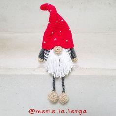 Crochet Christmas Wreath, Holiday Crochet, Crochet Home, Cute Crochet, Christmas Gnome, Animal Knitting Patterns, Christmas Knitting Patterns, Amigurumi Patterns, Crochet Baby Mobiles