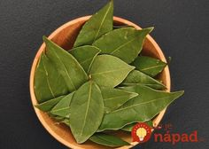 Bay leaf benefits and bay leaf tea recipe Herbal Remedies, Home Remedies, Health Remedies, Natural Remedies, Bay Leaf Benefits, Burning Bay Leaves, Tea Recipes, Fett, Cholesterol