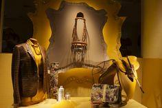 Autumn 2013, Hermès 24 Faubourg Saint-Honoré, Paris. #hermes #windows #vitrine