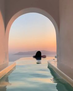 Greece is a amazing travel destination with Mykonos being my favourite place!! Use our travel budget calculator to help you plan! #Greece #mykonos #travel #tips