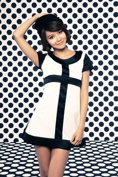 Obviously a more retro look but I like how it looks on Sooyoung Cute Girl Pic, Cute Girls, Sooyoung Snsd, Retro Look, Girls Generation, Girl Pictures, Asian Woman, Dress To Impress, Korean Girl