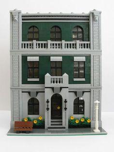 Lion Heart Hotel: A LEGO® creation by Kristel W. : MOCpages.com