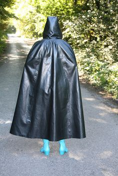 Rain Cape, Love To Meet, Rain Wear, Capes, Hoods, High Waisted Skirt, Raincoat, Skirts, How To Wear