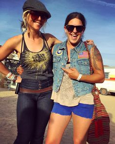 So glad my bike is up and running and I was able to make it back to @babesrideout. It's been incredible to meet all these awesome babes including this babe @thejessicombs. She is the #realdeal. #bikerbabe #womenwhoride #babesrideout3 #jessicombs #bikelife #camping #joshuatree #California #bestweekendever #travel #adventure #explore