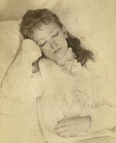 Sleeping Beauty, Carte de visite, circa 1875, courtesy of The Thanatos Archive (this girl is actually dead)