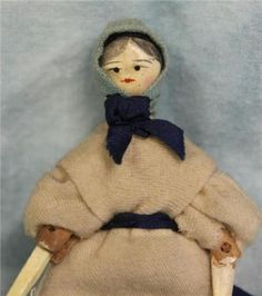 3-5-antique-Miniature-Peg-Wooden-Doll-Fully-Jointed-Sweet-face-circa-1850