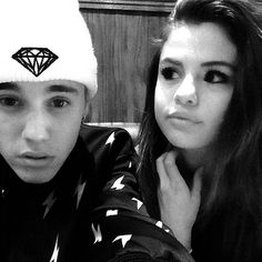 Selena Gomez and Justin Bieber are back together — see the new pics!