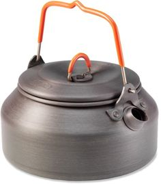 I got my GSI Hae Tea Kettle in today that I ordered from REI a few days ago. I got this kettle to use with my Original White Box stove for a light-weight set up for This is my first kettle, so I was excited to get it in, since I have heard so… Camping Survival, Tent Camping, Survival Gear, Camping Gear, Outdoor Camping, Backpacking Gear, Survival Prepping, Survival Skills, Camping 2017