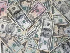 53 men and 9 women own as much wealth as half the world's population, Oxfam says — Mashable Money Lei, My Money, Earn Money, Make Money Online, How To Make Money, How To Become, Fiat Money, 100 Dollar Bill, Money Pictures