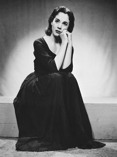 Julie Andrews circa 1950s | StyleList Canada