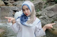 Beautiful Hijab, Beautiful Women, Hijab Chic, Girl Hijab, Niqab, Muslim Women, Covergirl, Bikini Girls, Qoutes