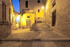Gli Esterni @CASTELLO CHIOLA Loreto Aprutino, Pescara, Italia www.castellochiola.com