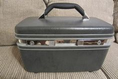Vintage Samsonite Train Case Luggage Olive by SarasotaVintageWorld Awesome Vintage Train Case - Very Clean Please Repinit and Thanks!