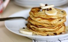 Pancakes a la banane WW Plats Weight Watchers, Beignets, Crepes, Deserts, Menu, Nutrition, Healthy Recipes, Fruit, Cooking