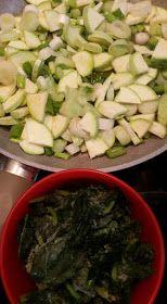 ΜΑΓΕΙΡΙΚΗ ΚΑΙ ΣΥΝΤΑΓΕΣ 2: Pancakes με λαχανικά !!!! Toddler Meals, Toddler Recipes, Palak Paneer, Pancakes, Beef, Ethnic Recipes, Coffee Tables, Food, Meat