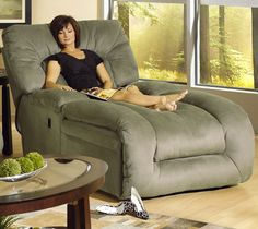 Jackpot Reclining Chaise in Sage Microfiber Fabric by Catnapper Oh! this large recliner chaise chair looks so--- relaxing! Tv Moderna, Casa Clean, Home And Deco, My Dream Home, Home And Living, Living Room, Home Interior Design, Interior Ideas, Interior Decorating