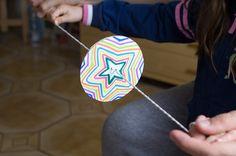 juguete optico rueda de colores Op Art, Balloons, Diy Crafts, Ideas Para, Kids, Mayo, Food, School, Paper