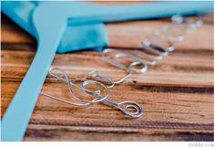 """Custom Hanger """"I DO""""  personalizada de boda   www.evakke.com"""