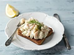 Prawn Toast Recipe, Shrimp Toast, Swedish Dishes, Swedish Recipes, Nordic Diet, Easy Starters, Beef Wellington Recipe, Scandinavian Food, Laksa