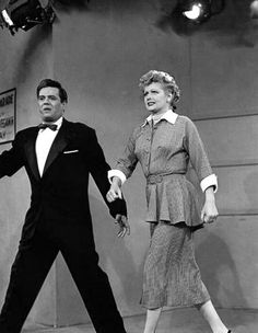 Lucy very intoxicated after drinking all the Vitavitavegimen, interrupts Ricky during his Live television broadcast. Classic Tv, Classic Movies, Redhead Funny, William Frawley, I Love Lucy Show, Vivian Vance, Queens Of Comedy, Lucille Ball Desi Arnaz, Lucy And Ricky