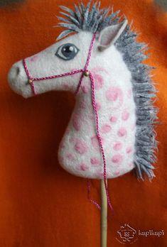 Photostream Handmade Felt, Felt Crafts, Needle Felting, Amanda, Knitting Patterns, Dinosaur Stuffed Animal, Christmas Ornaments, Felted Jewelry, Toys