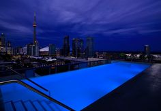 Worlds Top 12 Dopest Rooftop Pools (12 Pictures) > Baukunst, Design und so, Fashion / Lifestyle, Netzkram, Streetstyle > city, design, infinity, lifestyle, pool, swimming, urban luxury