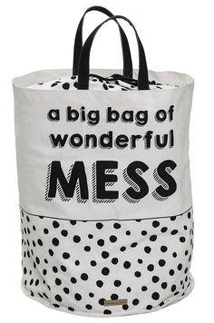 Bloomingville  Opbevaringskasse - Offwhite - Off-white opbevaringspose med sorte prikker og humoristisk print. Opbevaringsposen er fremstillet i bomuld og kan blandt andet bruges til opbevaring af børnenes legetøj  eller som vasketøjskurv. En opbevaringspose, der både er praktisk og skaber god stemning.