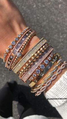 Stack on Stacks - Schmuck Cute Jewelry, Body Jewelry, Jewelry Accessories, Fashion Accessories, Women Jewelry, Fashion Bracelets, Fashion Jewelry, Van Cleef And Arpels Jewelry, Accesorios Casual