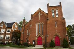 6 Historic Churches with Beautiful Architecture in Ypsilanti Historic Architecture, Beautiful Architecture, Beautiful Buildings, Ypsilanti Michigan, Old Churches, Stained Glass Windows, Historic Homes, Construction, Floor