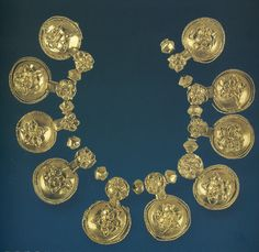 The Small Tomb near Shipka was excavated in It is located in the vicinity of ancient Seuthopolis, the most important Thracian settlement in the. Antique Necklace, Antique Jewelry, European Tribes, Hellenistic Period, Roman Jewelry, Ancient Aliens, Ancient History, Art History, Ancient Artifacts