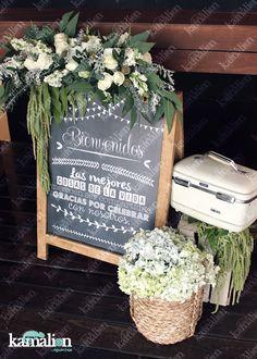www.kamalion.com.mx - Decoración / Wedding / Boda / Blanco & Verde / Green & White / Vintage / Rustic Decor / Madera / Chalkboard / Pizarrón / Letrero / Canasta.