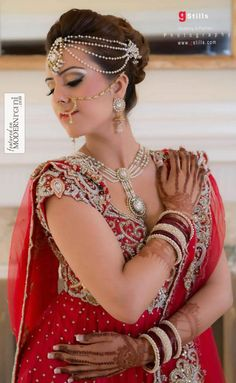 Kundan Bridal Jewellery, Red South Asian Indian Lengha - more inspiration @ http://www.ModernRani.com