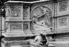 La Fonte Gaia di Tito Sarrocchi (1868): la creazione di Adamo. Foto del Tesoro di Siena su http://www.flickr.com/photos/iltesorodisiena/12307848676/lightbox/